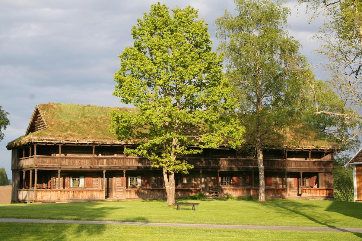 Svalgangsbygningen (Foto/Photo)