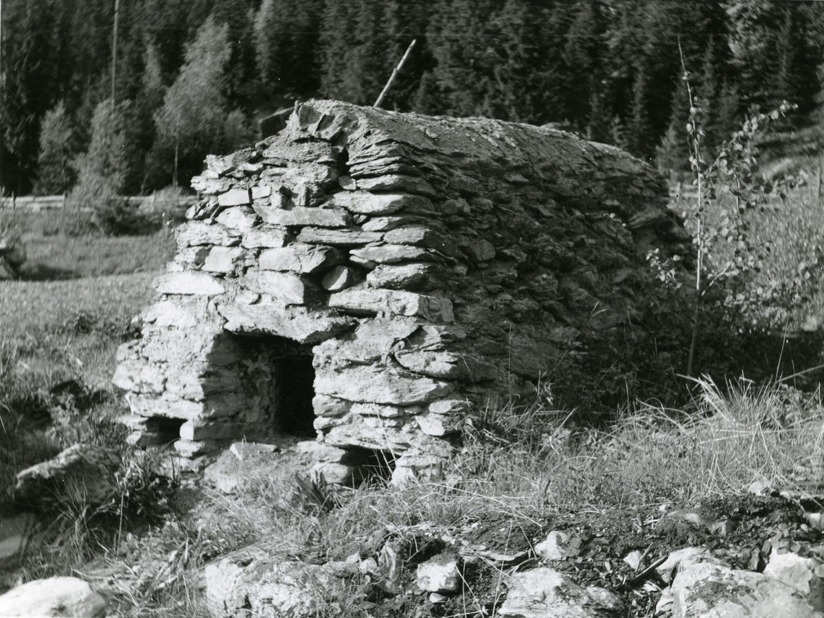 Tjæreovn fra Dokken i Nord- Aurdal i Valdres.