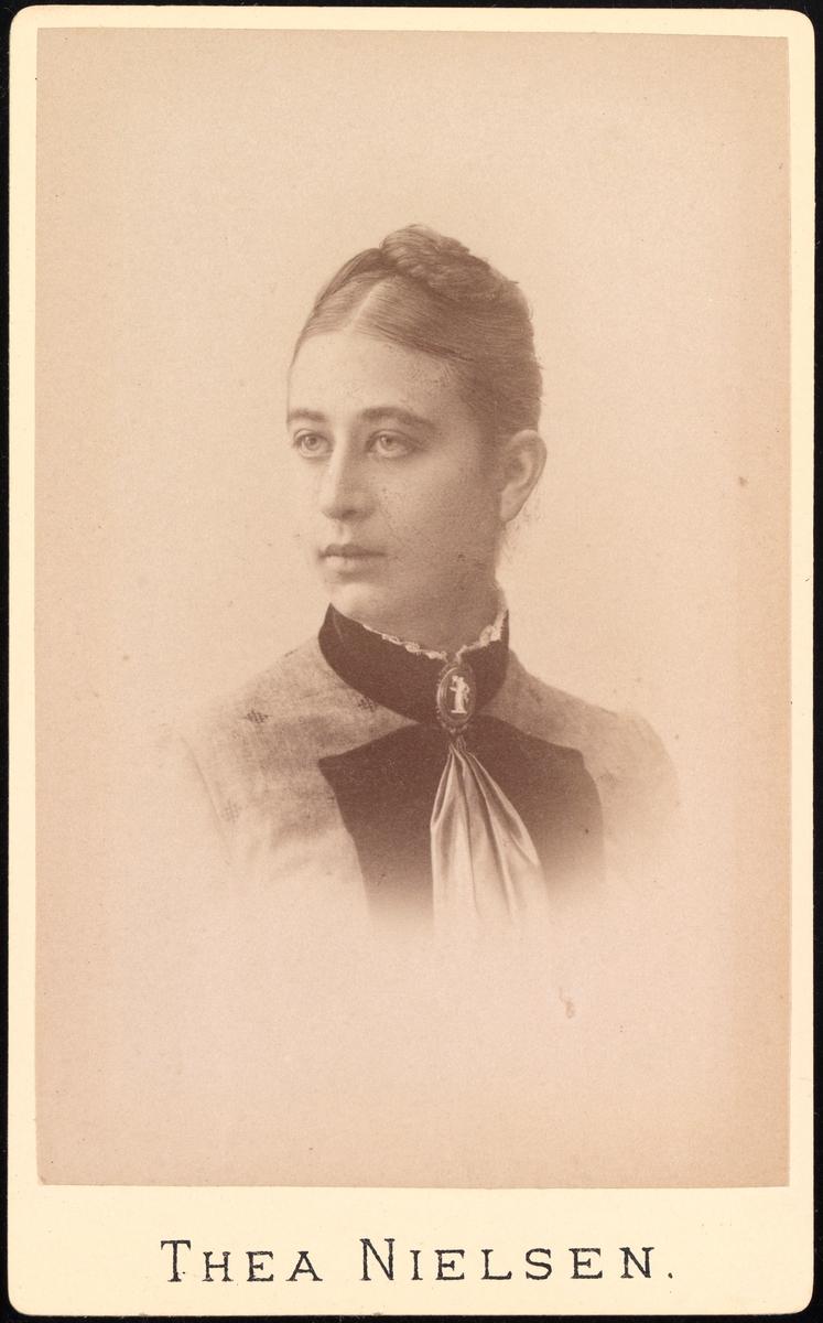 Portrett av Regine Bjelke f. Wetlesen.