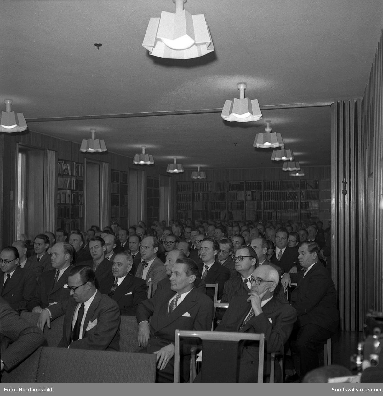 Konferens på SCA:s forskningslaboratorium.