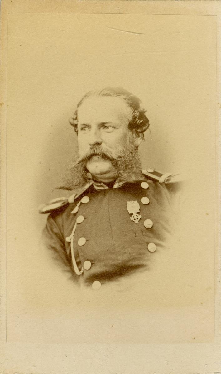 Porträtt av Axel Henry Grundström, underlöjtnant vid Hälsinge regemente I 14.