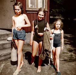 På väg till stranden sommaren 1960