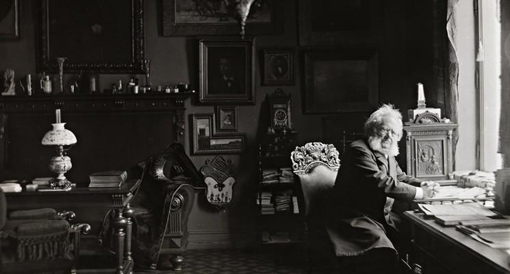 Henrik Ibsen i arbeidsværelset (Foto/Photo)
