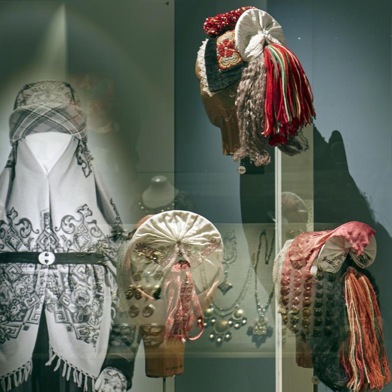 Head Wear. The Folk Dress Exhibition (Foto/Photo)
