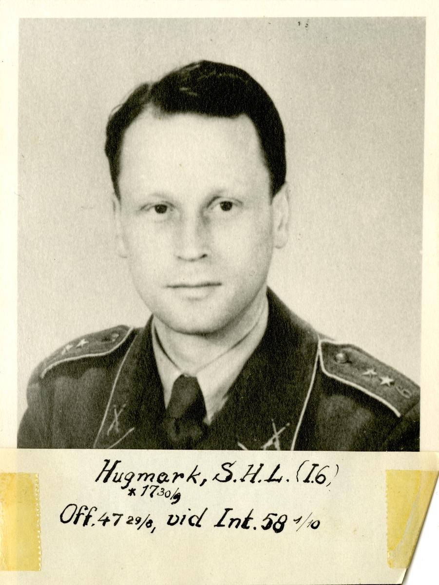 Porträtt av Stig Helge Lennart Hugmark, officer vid Norra skånska infanteriregementet I 6 och Intendenturkåren.