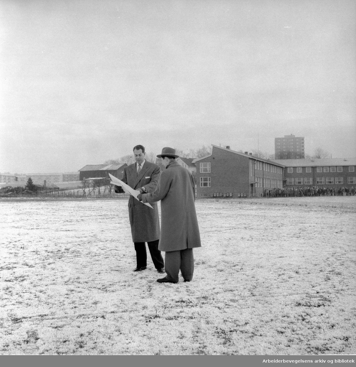 Planer for det nye Hovin..November 1957