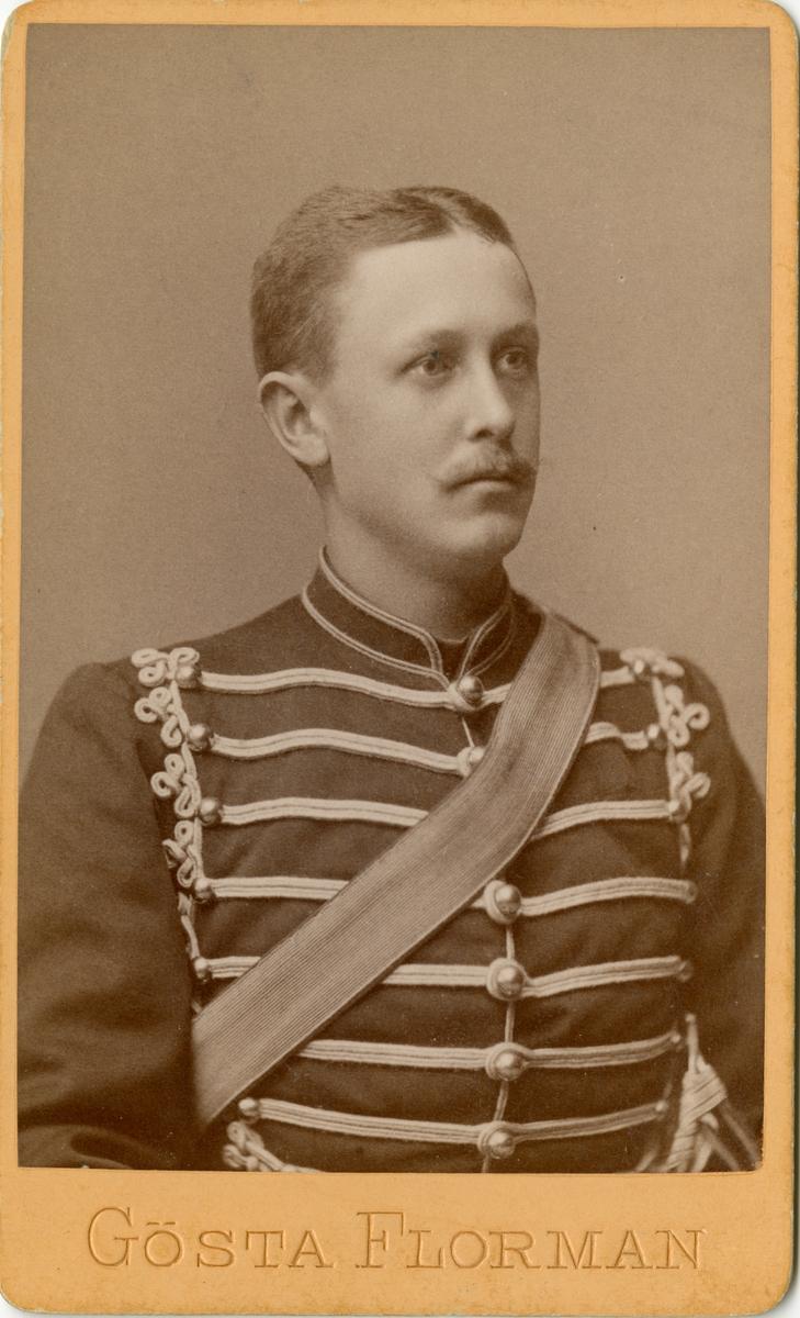 Porträtt av Birger Fredrik Stael von Holstein, löjtnant vid Skånska husarregementet K 5.