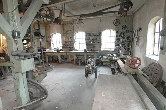 The machines in the workshop were also powered by hydropower.