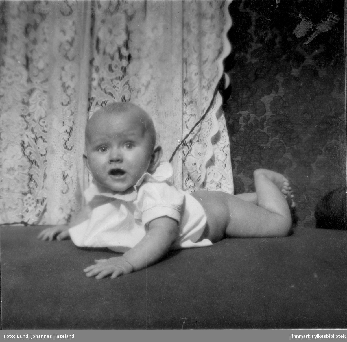 Baby Frithjof Lund i familiens hjem i Hammerfest