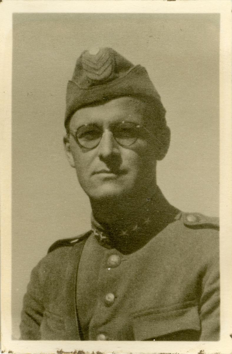 Porträtt av Gustav Ragnar Lené, kapten vid Hälsinge regemente I 14.