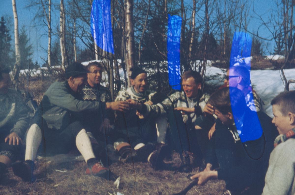 Skiløpere samlet på barmark Skigruppa Nittedal IL