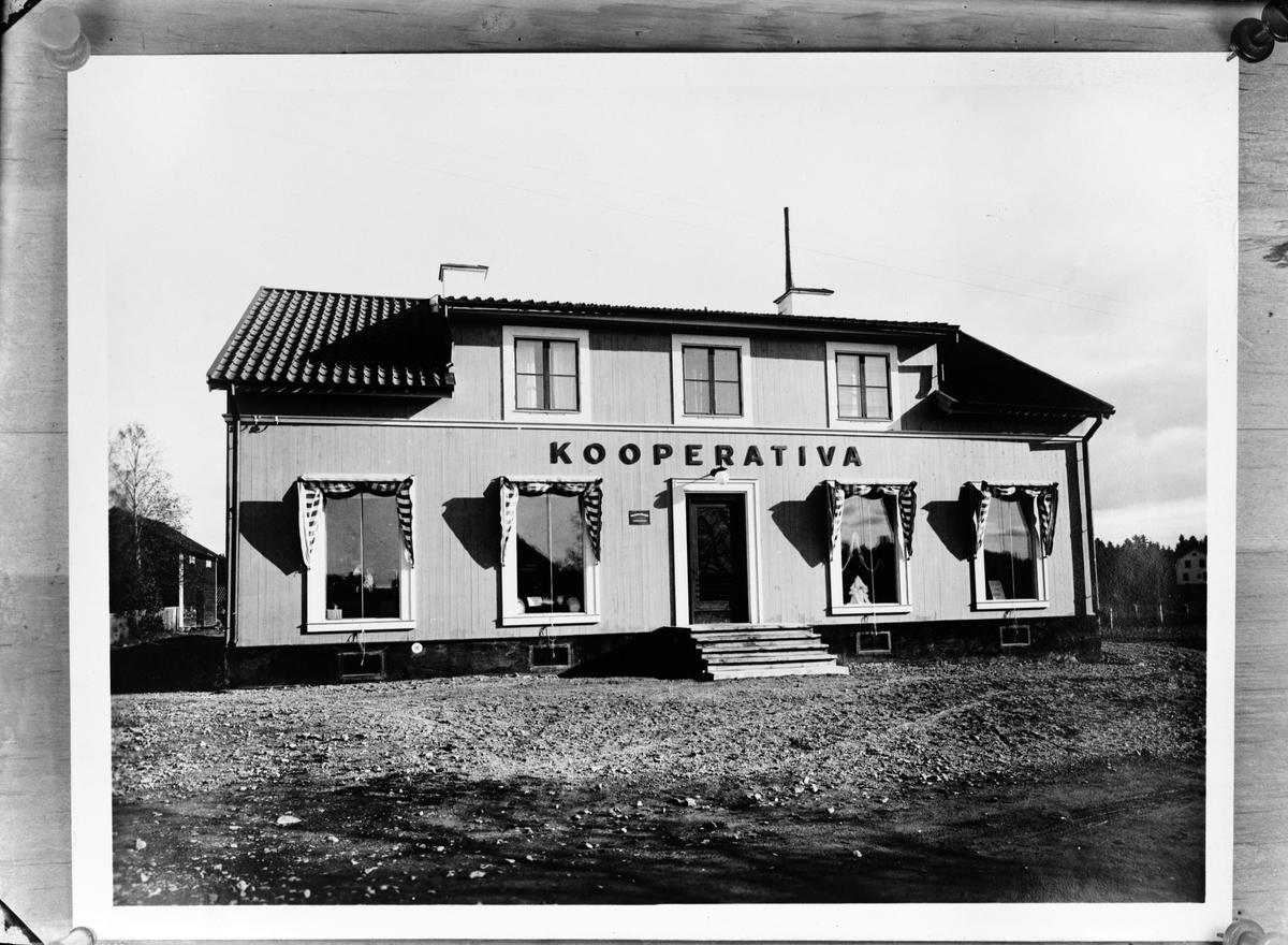 Reprofotografi - kooperativa i Korsbron, Skäfthammars socken, Uppland