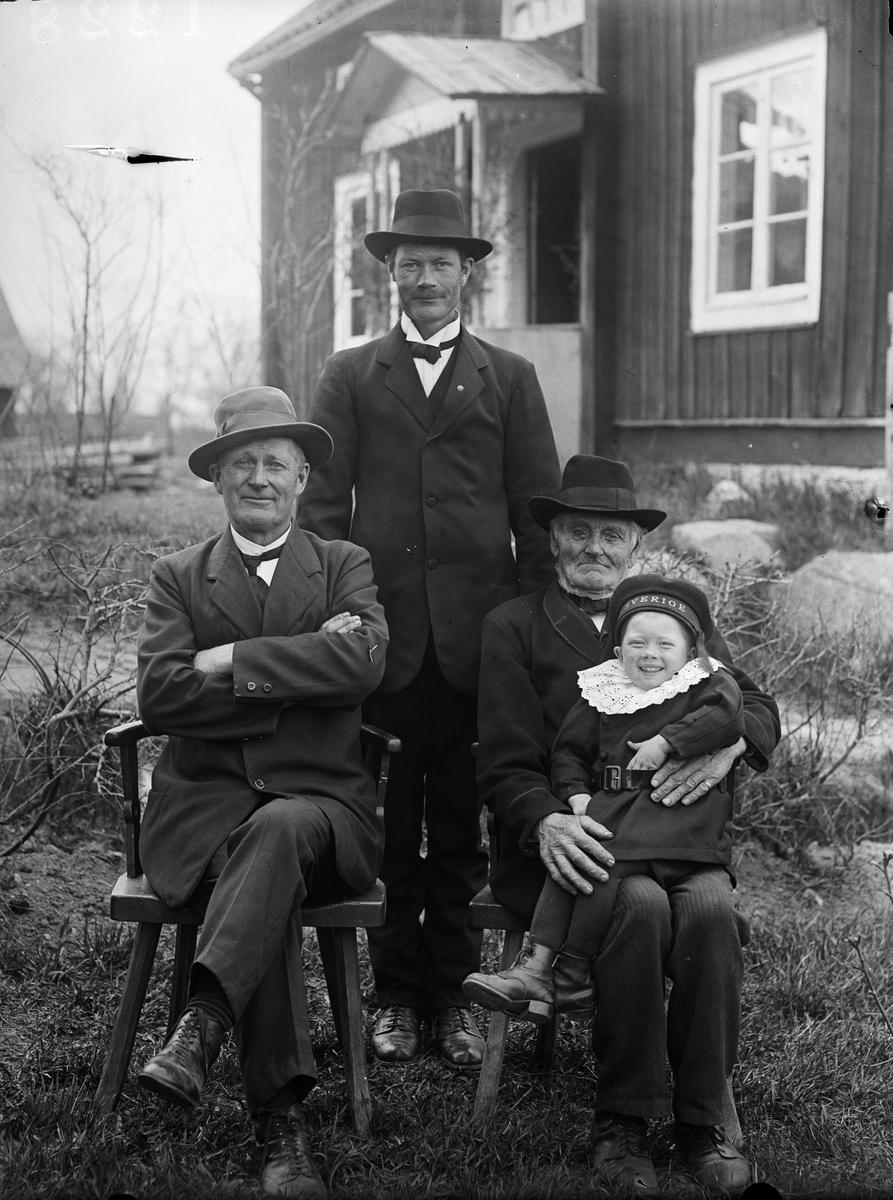 """""""Fyra generationer hos Fredriksson Gestre"""", Frösthults socken, Uppland 1919"""