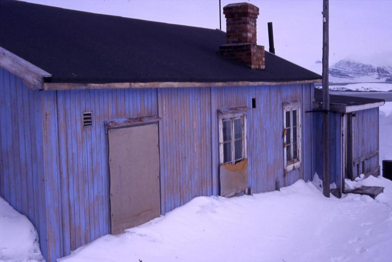 Radiostasjon i Ny-Ålesund eksteriør 1 (Foto/Photo)