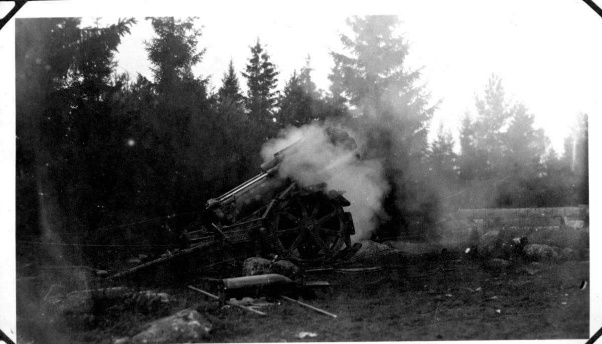 Haubits m/1917. 21 cm. Avfyrning, Karlsborg.