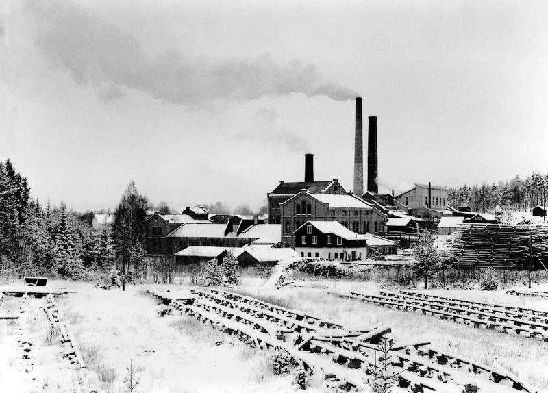 Klevfos Cellulose & Paper Mill from the south, before it was closed down.