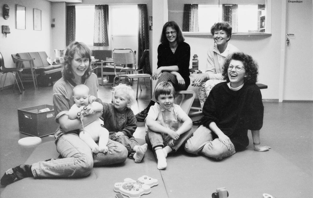 Brukere og ansatte på Hagan helsestasjon i september -93.