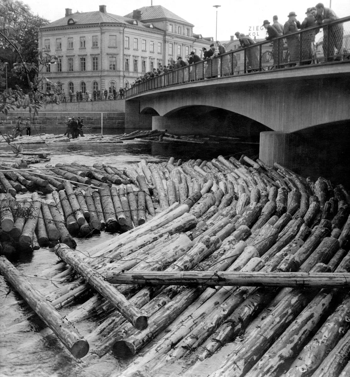 Timmerbråte vid Klarabron 1947.