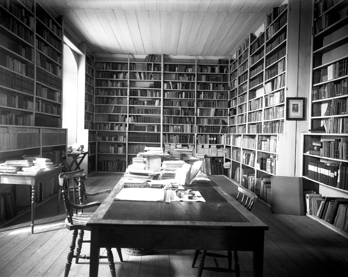 Stiftsbiblioteket i Gamla Gymnasiet på en bild från den 4 maj 1923.