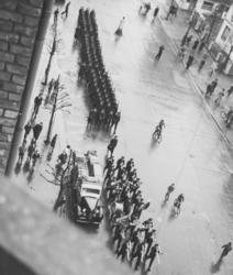 Tyske tropper med orkester i Bogstadveien i Oslo.