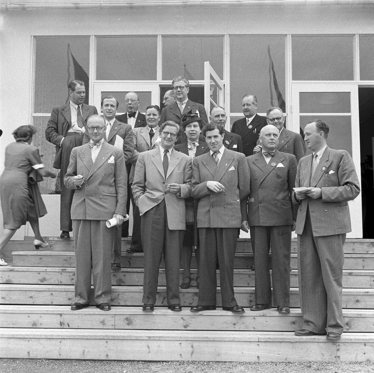 Gävleutställningen 1946 arrangerades 21 juni - 4 augusti. En utställning med anledning av Gävle stads 500-årsjubileum. På 350.000 kv.m. visade 530 utställare sina produkter. Utställningen besöktes av ca 760.000 personer.  Pressmän