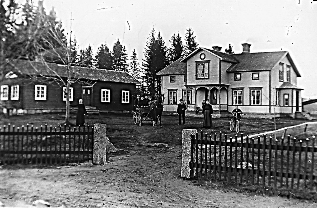 """Växbo, gården heter """"Höga""""."""