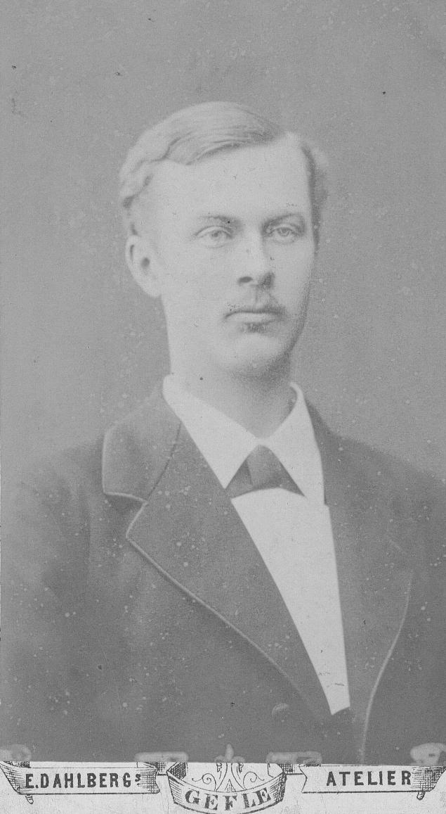 Erik Julius Dahl.