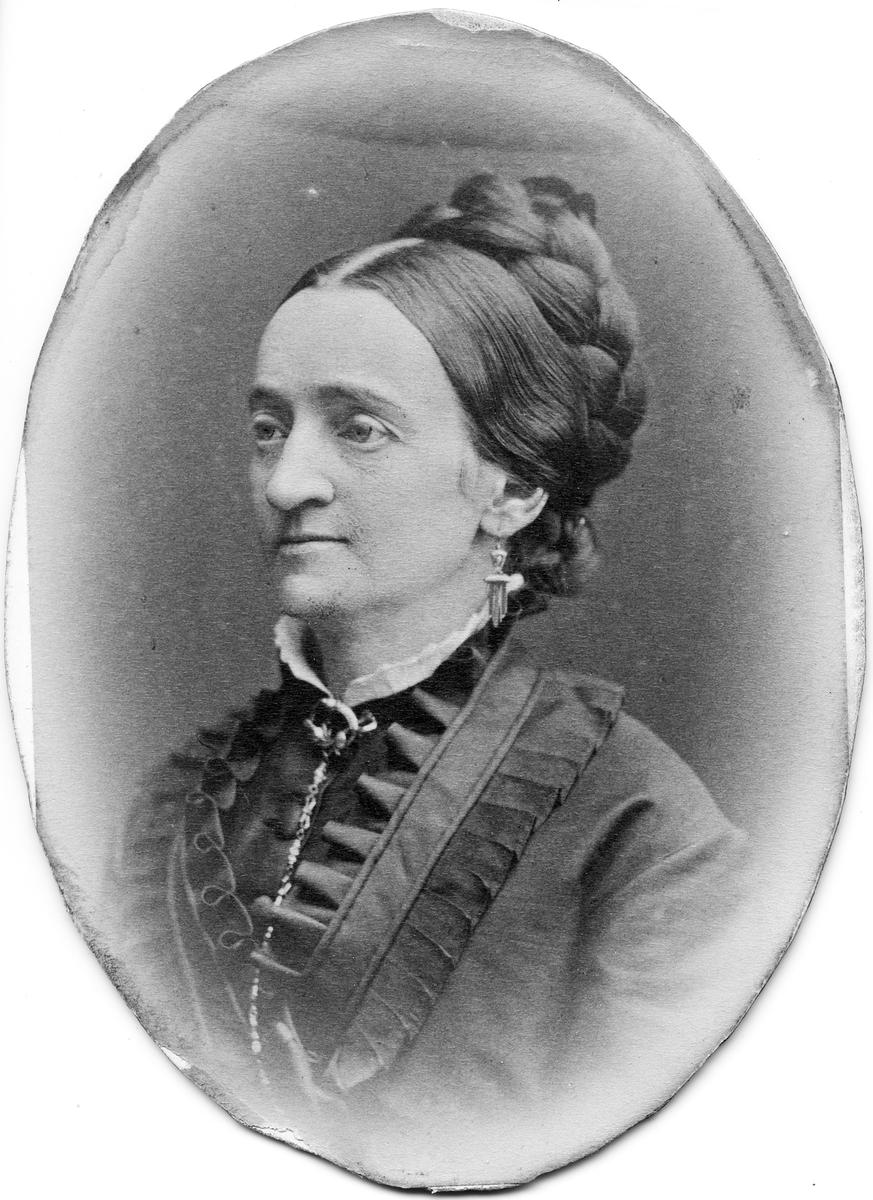 Fru Klara Matilda Klintberg.