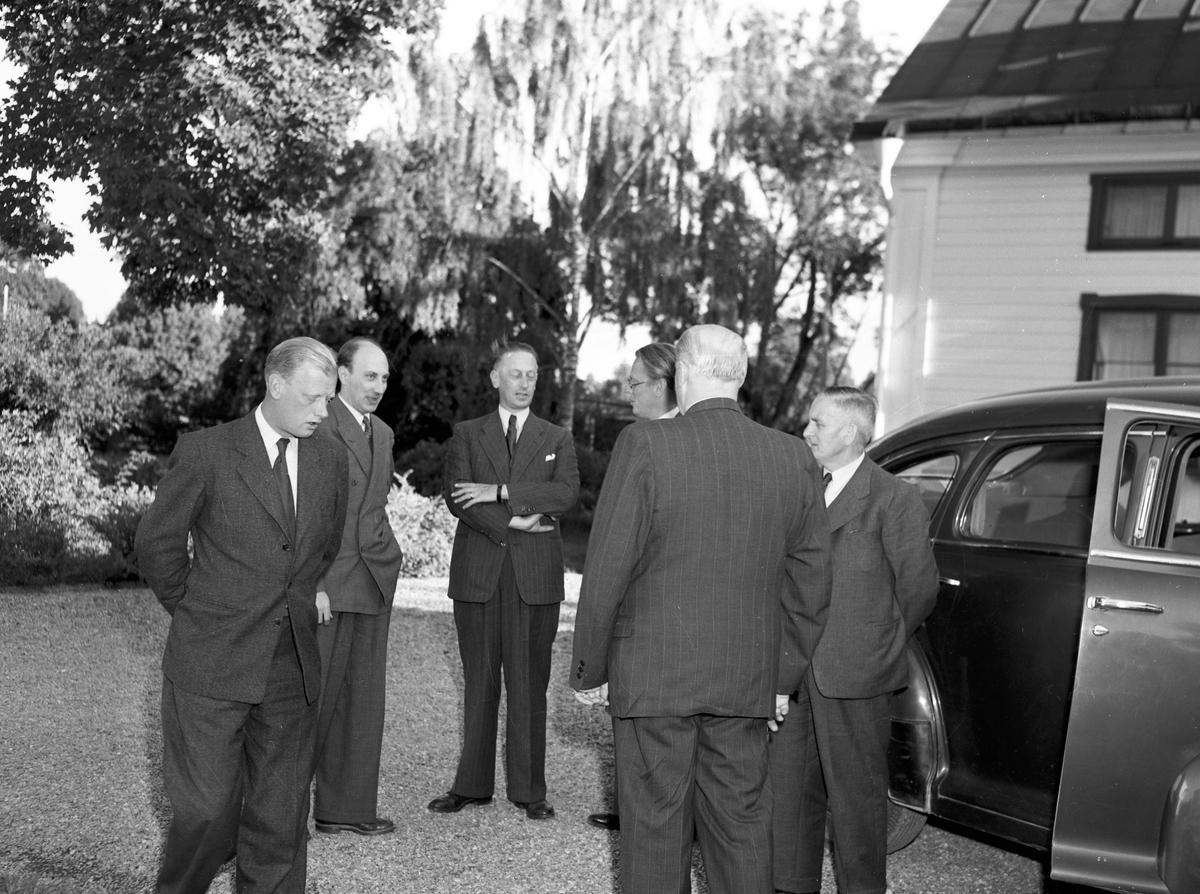AB Tobo Bruk. Besök av finska gäster i Monarkfabrikerna. 21 augusti 1949.