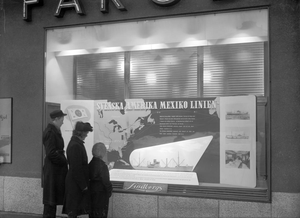 Andersson & Lundqvist, Svenska Amerika Mexiko linjen. Reklam i Lindbergs Färghandels skyltfönster. 16 februari 1945.