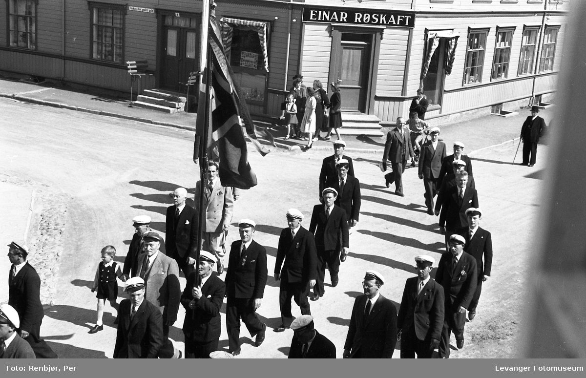 Sangens dag, Levanger fra hjørnet ved Røskaftsgården.