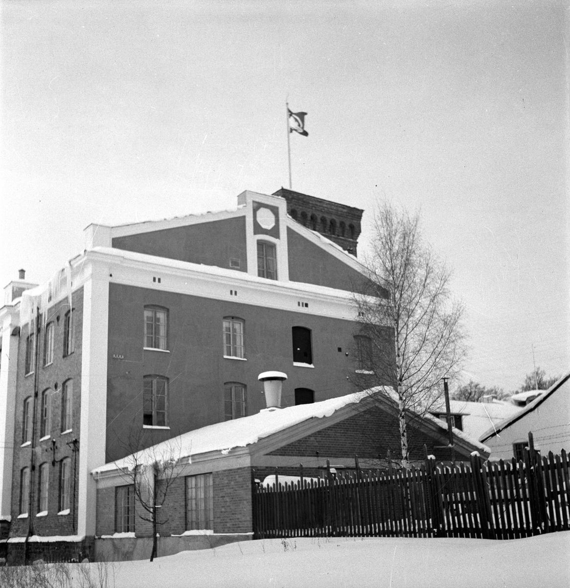Gävle Manufaktur Svanen, Strömsbro i vinterskrud. 15 januari 1950.