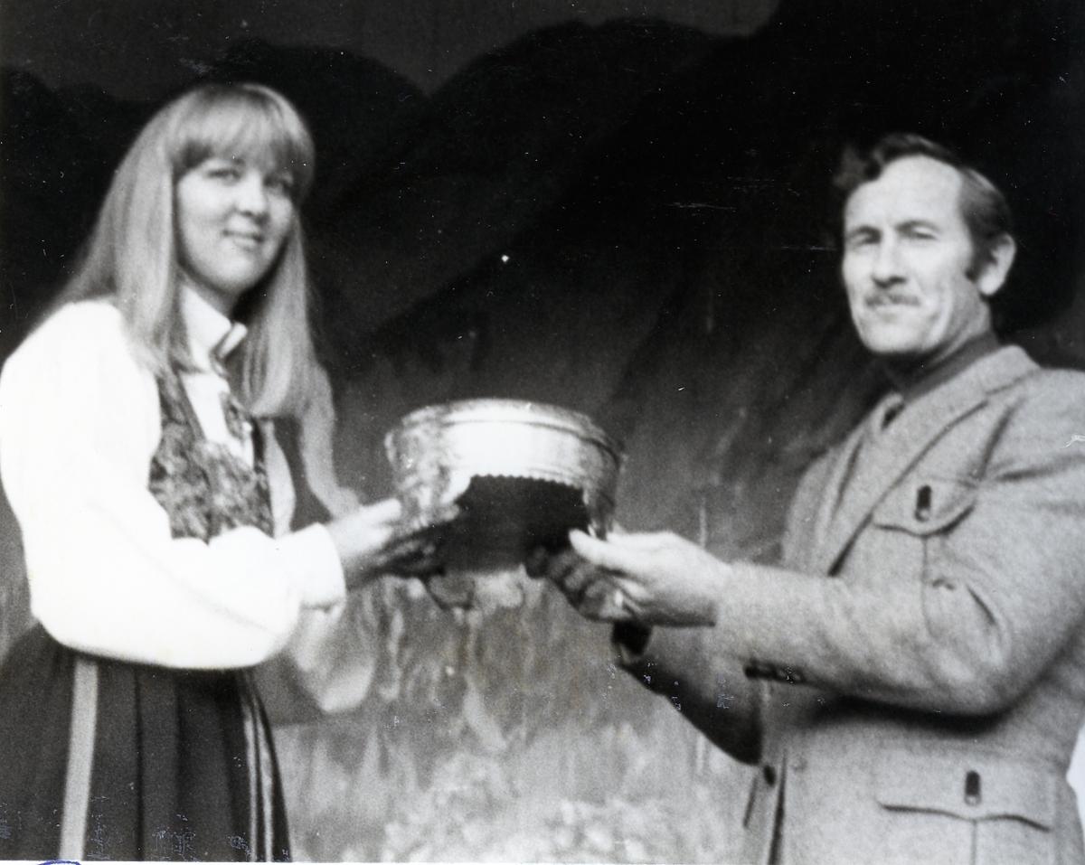 Utdeling av Seljordprisen til Tor Martin Mo for råna Drift i 1981.