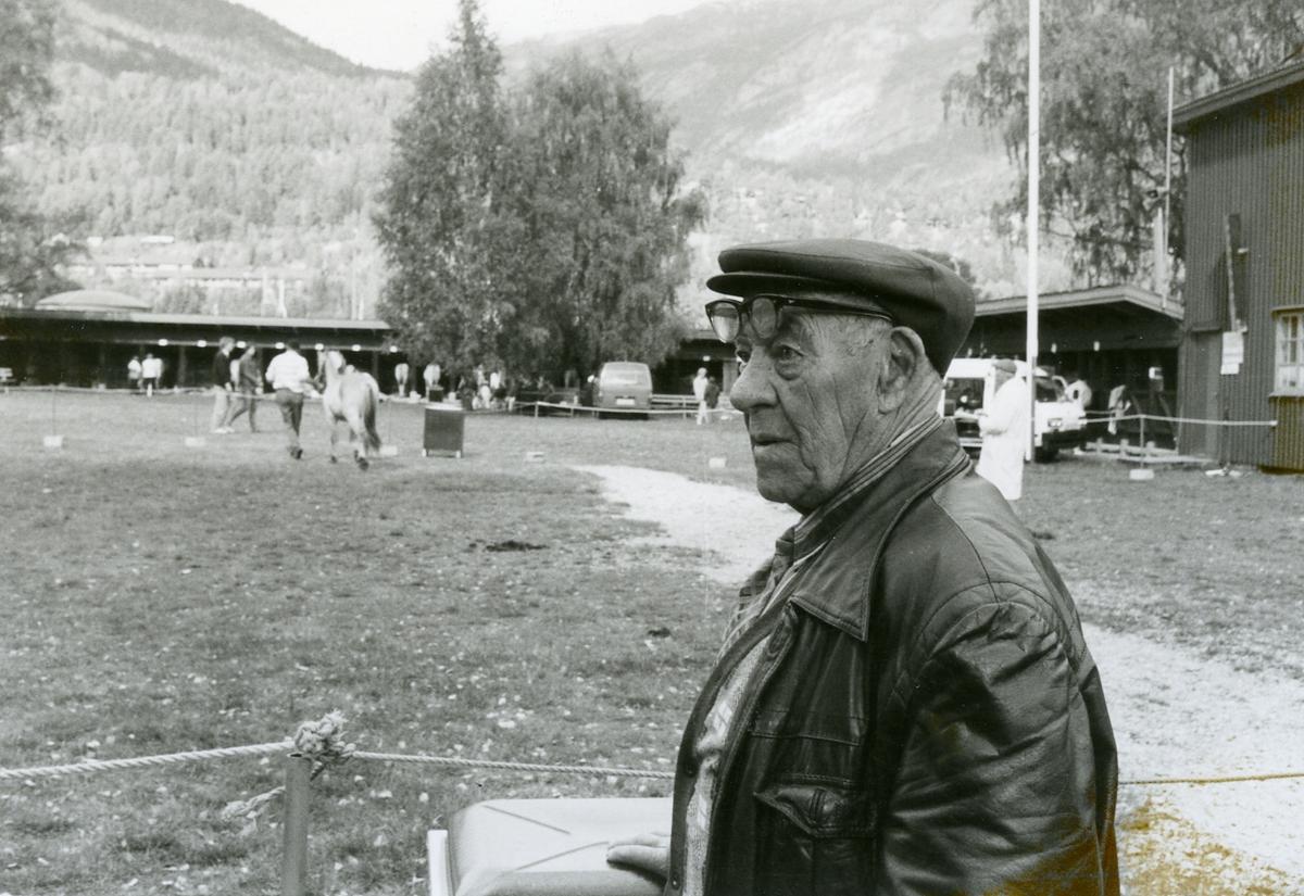 Dyrskuveteranen Augon Moen besøker Dyrsku'n for 75. gong.