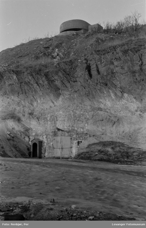 Bunker, forsvarsanlegg.