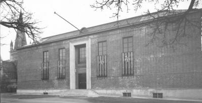Hovedbygning Bispegata, fasade, 1930. Foto/Photo