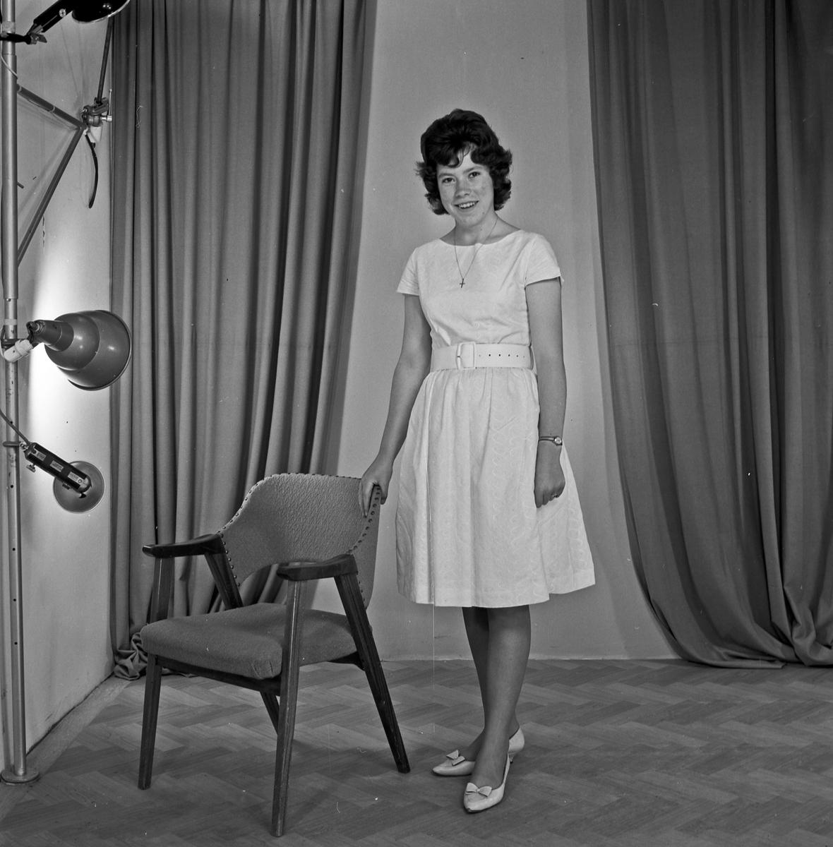 Portrett - ung kvinne - bestiller Paula Simonsen