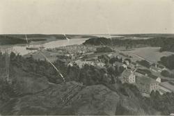 Utsikt över Gamleby samhälle och hamnen