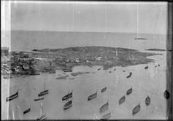 Panorama over fiskeværet Halten, sett fra fyret. Del 5. Husø