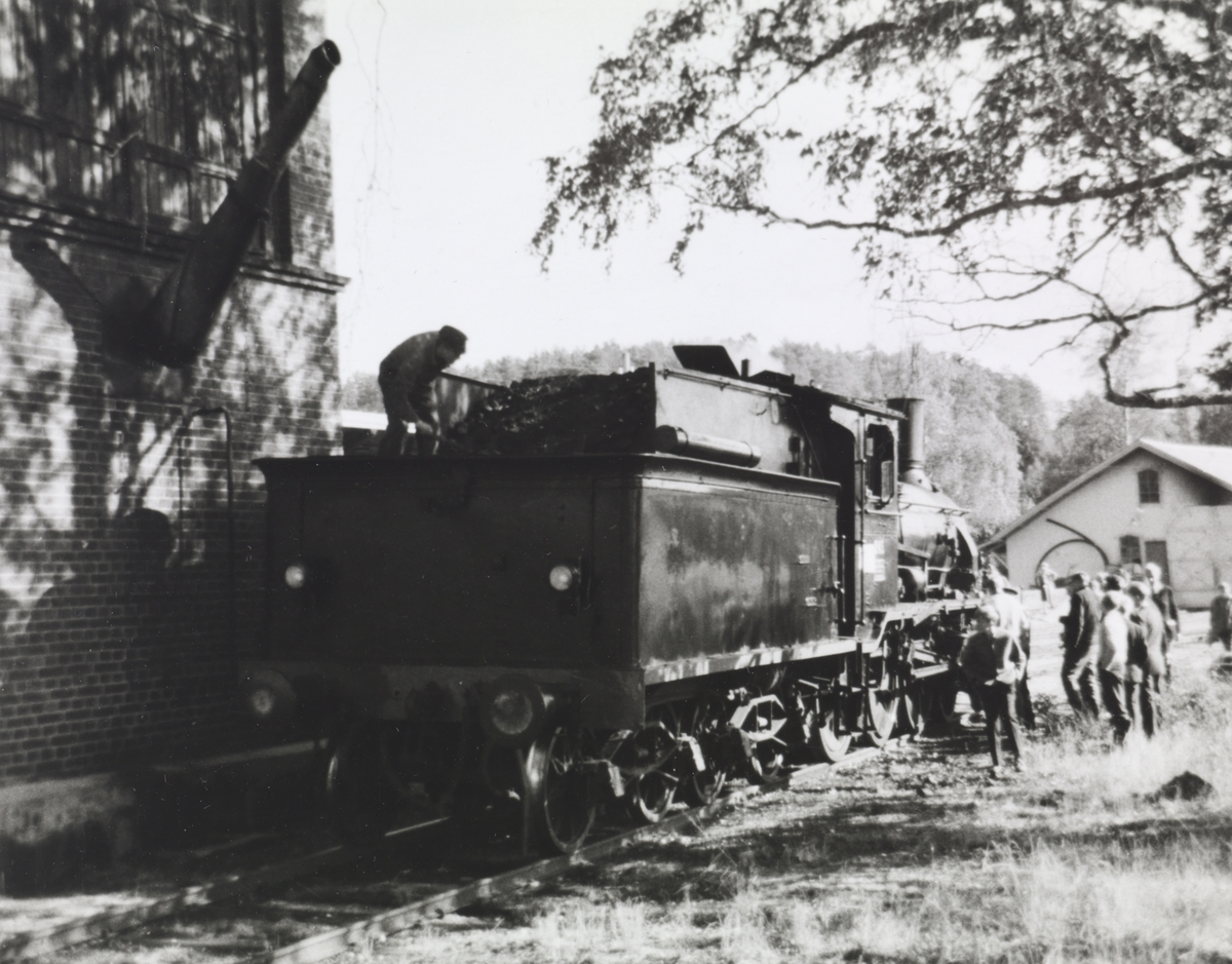 A/L Hølandsbanens veterantog på Krøderen stasjon.