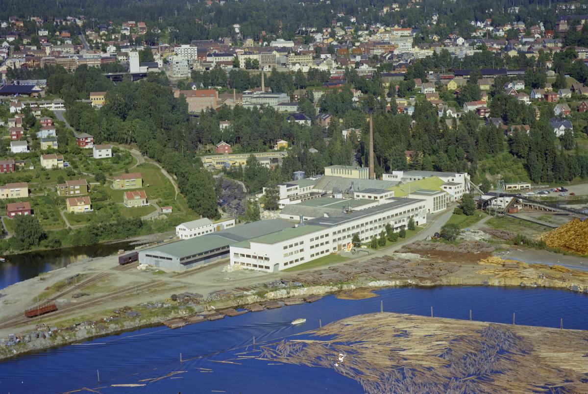 Mesna Kartongfabrikk, Lillehammer, vann, vatn, skog, kulturlandskap, industri, bygninger.