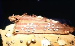 Från Kronanutställningen på Kalmar slott.  Flera hundra te