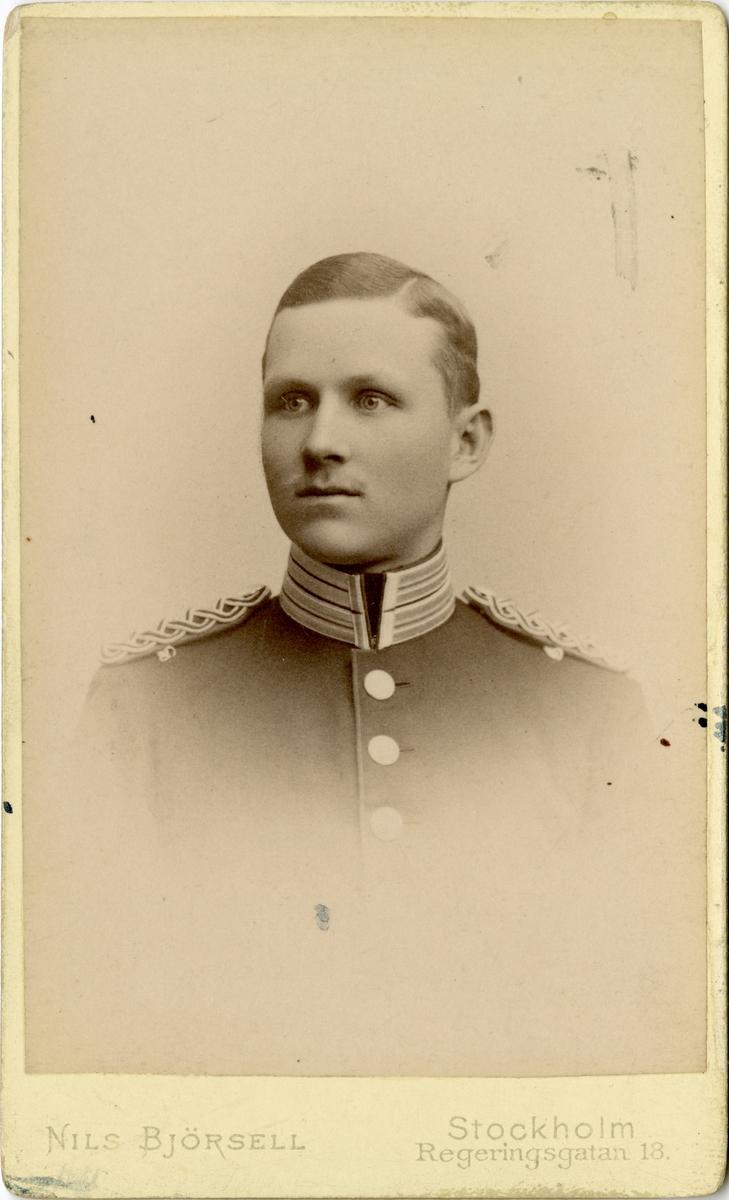 Porträtt av Robert Olof Marcks von Würtemberg, kapten vid Andra livgrenadjärregementet I 5.