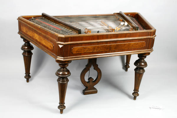 cimbalom_RMT-70-10-RMD-13990red-1024x682.jpg. Foto/Photo
