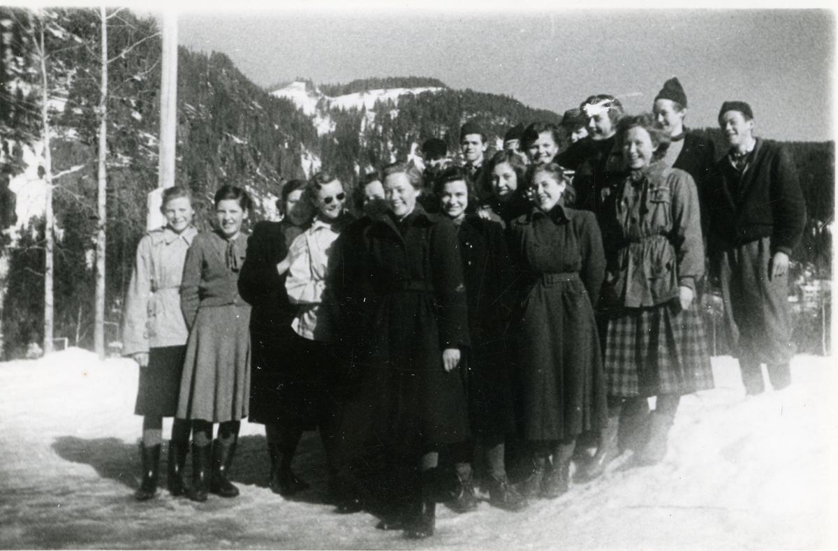 Framhaldsskolen på Fossvang 1953/54.