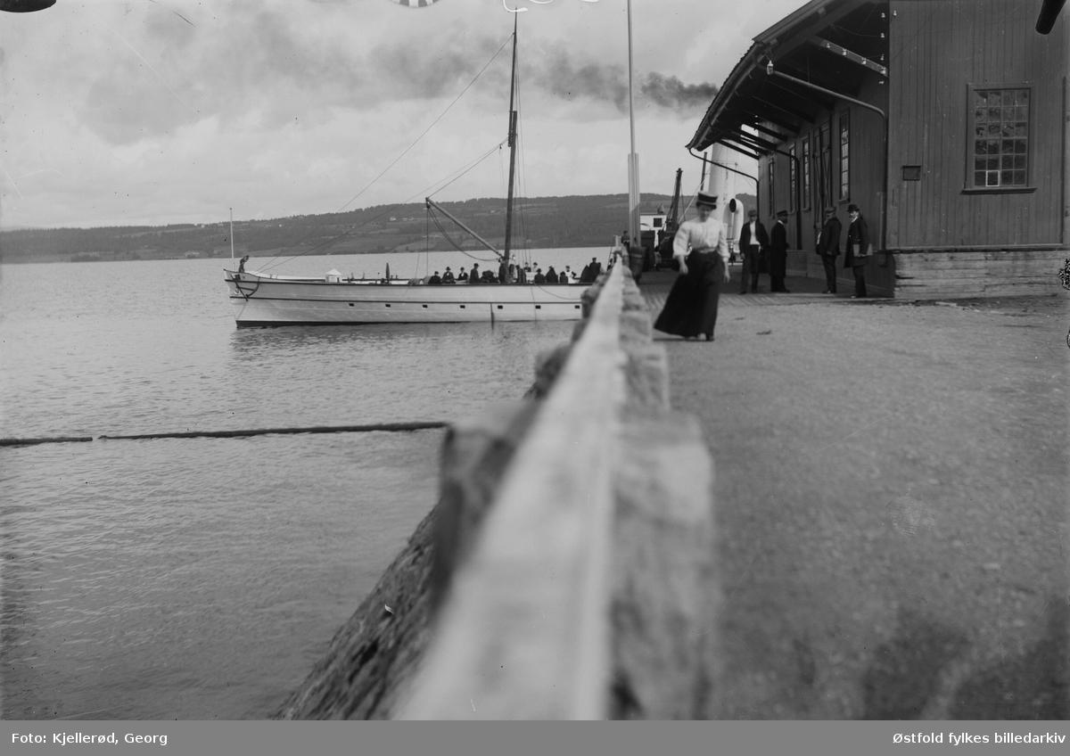 Dampbåten Skibladner ved Gjøvik brygge.