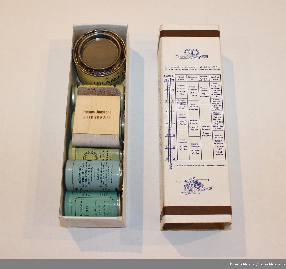 Pakke med Husum - Jonssons Turistforpackning, skismurning 5 stk skivoks fra 0 C til 12 C. 1 stk tjære Skar-klister. 1 stk skrape.