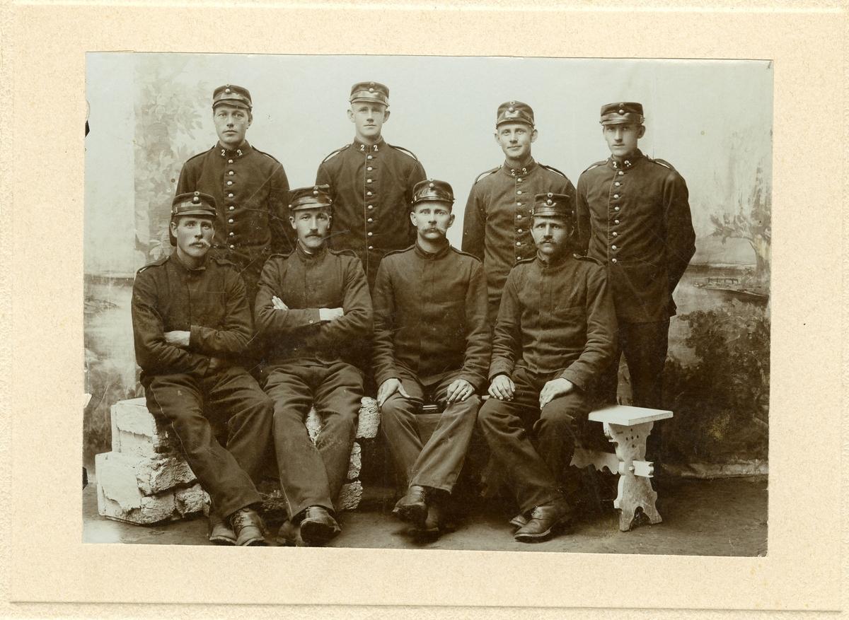 Gruppe av militære.