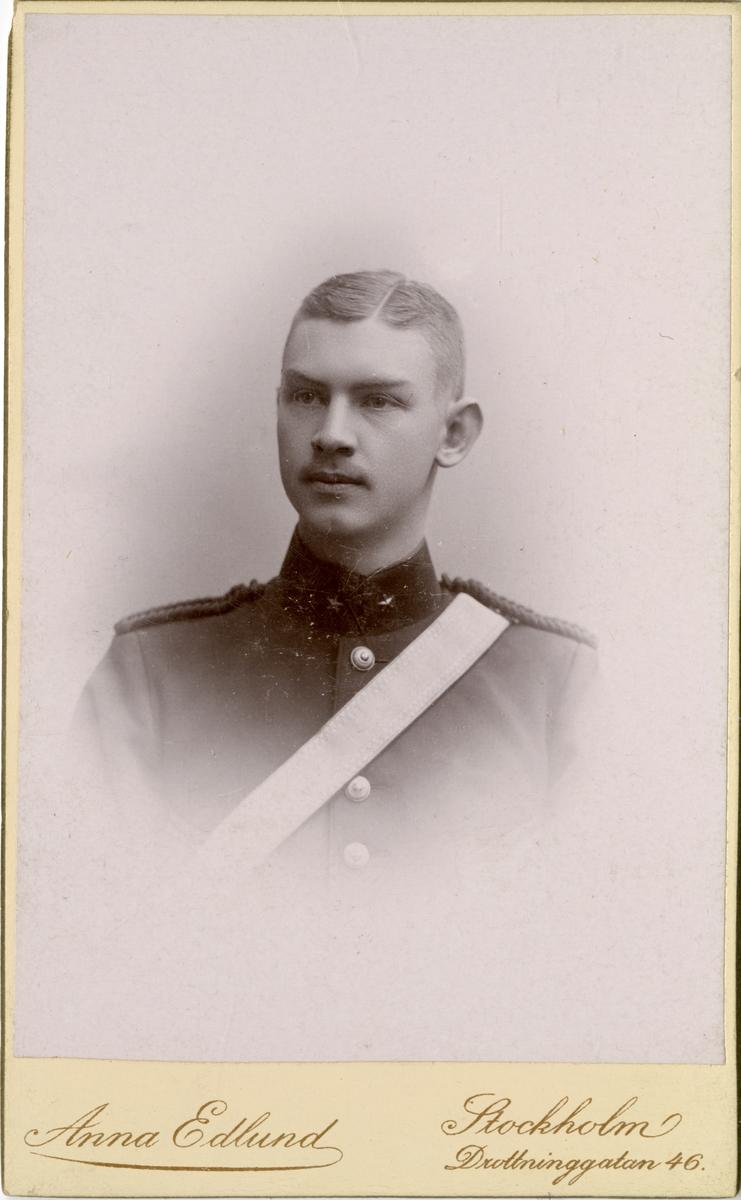 Porträtt av Georg Karl Waldemar Fagerlund, underlöjtnant vid Svea artilleriregemente A 1.