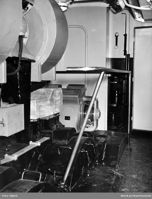 Elektrisk lokomotiv El 12, maskinrom